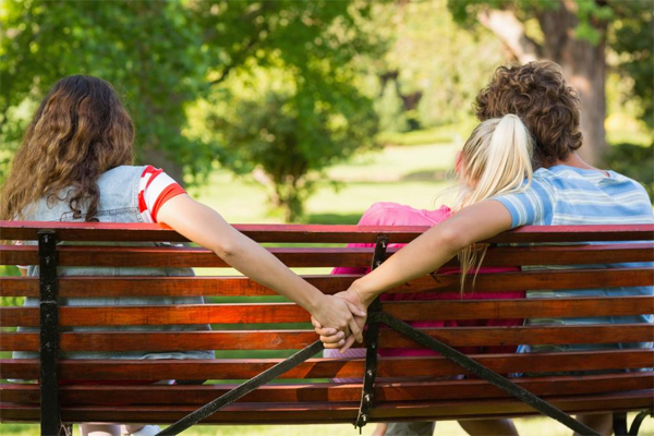 Emotional Affair Signs: Recognizing Infidelity