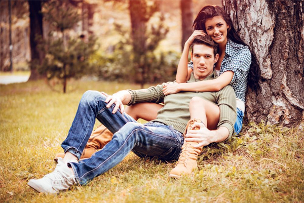 Signs that Tell a Woman Her Man Loves Her (a Lot!)