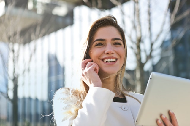 How to be a happy single woman: focus on your career