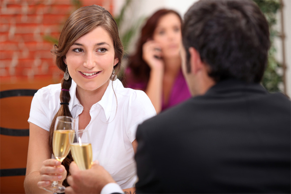 Six First Date Conversation Ideas to Break the Ice