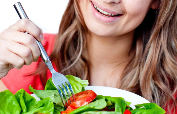 Dining Out While on a Diet: How to Have Fun without Going Overboard